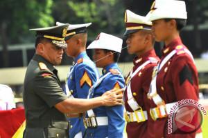 Panglima TNI Mewisuda 716 Prajurit-Bhayangkara Taruna