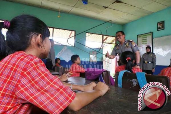 42 Polisi Banjarbaru-Kalsel Jadi Guru