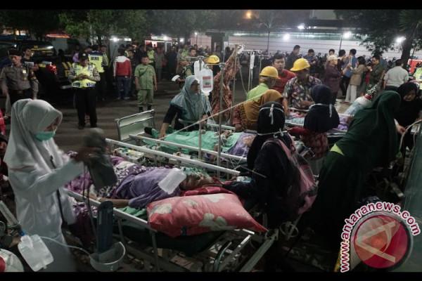 Evakuasi Pasien RSUD Akibat Gempa