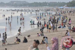 Kunjungan Wisatawan Australia ke Bali turun 302 persen