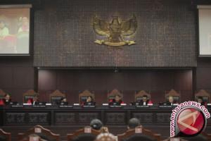 MK Tegaskan Teman Satu Perusahaan Boleh Terikat Perkawinan