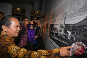 Antara Holds Photo Exhibition Commemorating 80th Anniversary