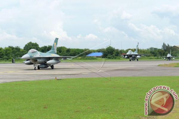 Dua pesawat tempur F-16 segera tiba dari Amerika