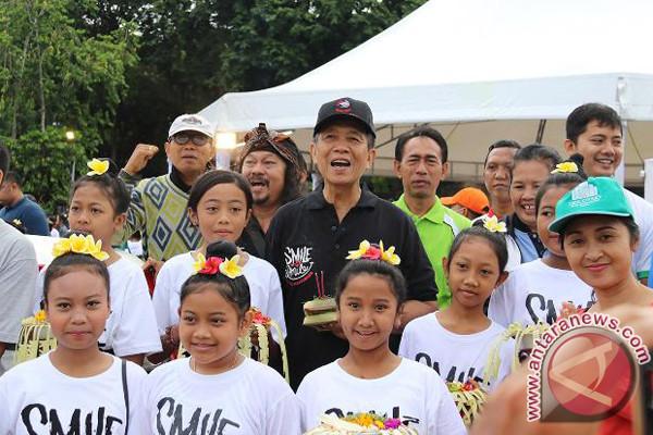 """Pastika: """"Smile Bali Smile"""" pulihkan pariwisata"""
