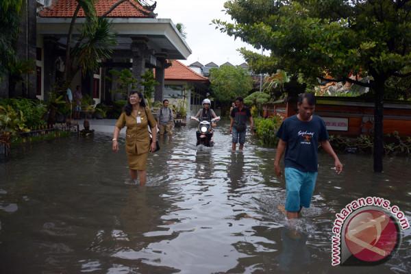 Sekolah di Denpasar Libur Karena Banjir