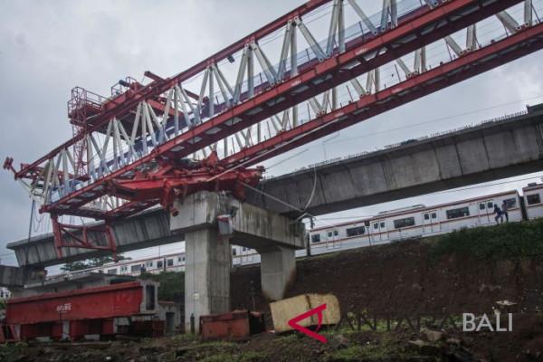 Crane Proyek DDT Roboh