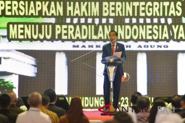 Presiden Jokowi minta hakim utamakan kejujuran dan integritas