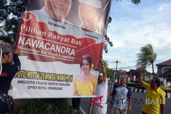Sudikerta pimpin penurunan baliho di Denpasar