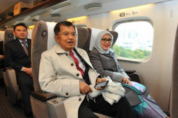 Wapres Kalla menuju Hiroshima dengan kereta api cepat