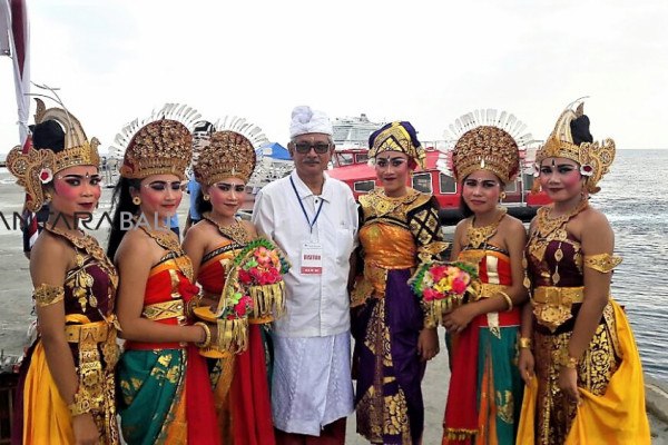 Kapal pesiar turunkan 1.100 turis ke Buleleng-Bali