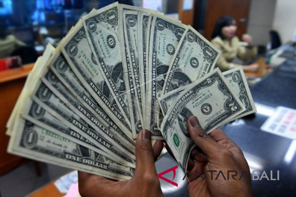 Dolar AS melemah tertekan data negatif ekonomi AS