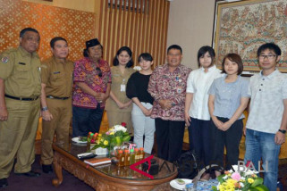 Denpasar, Japan cooperate in education and culture