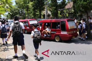 Masyarakat Klungkung rasakan manfaat transportasi gratis pelajar