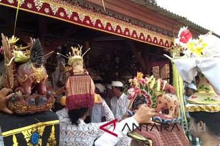 Nyepi, umat Hindu Bali tetap gelar persembahyangan Saraswati