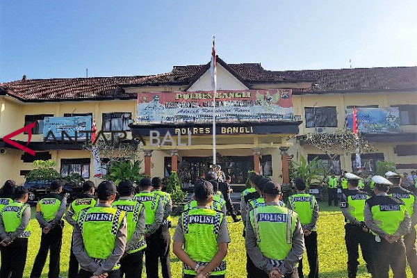 Jelang IMF, Polisi Bangli dilatih Bahasa Inggris