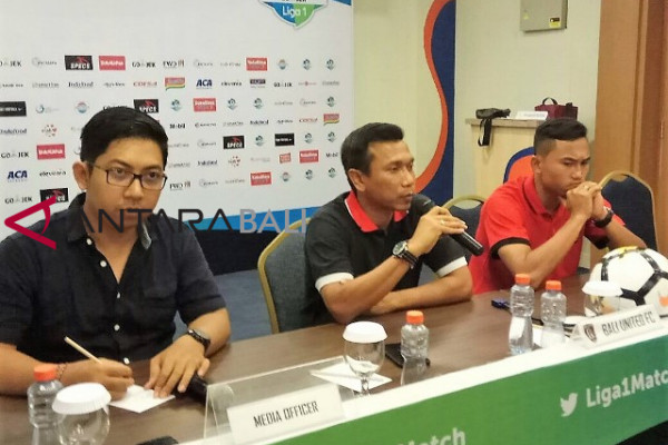 Bali United jamu tim Barito Putra (video)