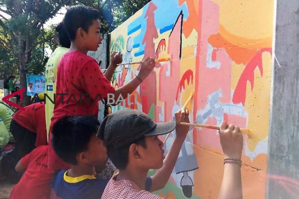 """Delapan tim ikuti melukis mural """"Jimbafest 2018"""" (video)"""