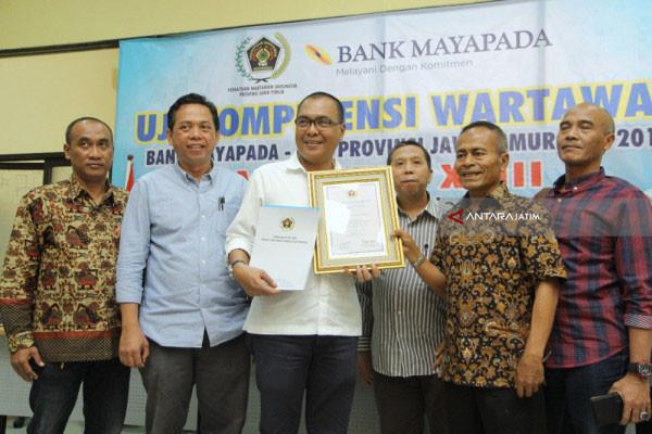 """PWI Pusat beri penghargaan UKW """"paling produktif"""" pada PWI Jatim"""