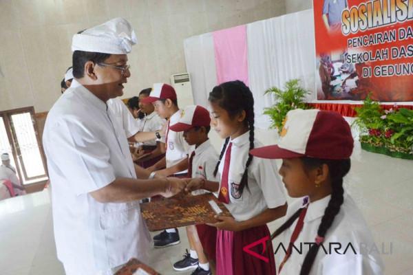 32.396 murid SD Buleleng terima PIP