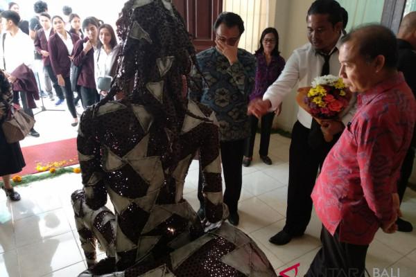 Putrayasa angkat metafora wanita Bali di era modern