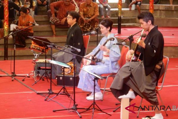Seniman Jepang kenalkan musik Kabuki di PKB