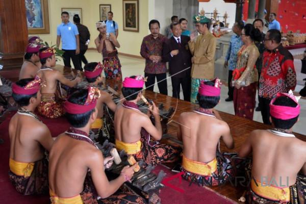 Presiden: pembangunan infrastruktur bagian strategi kebudayaan (video)
