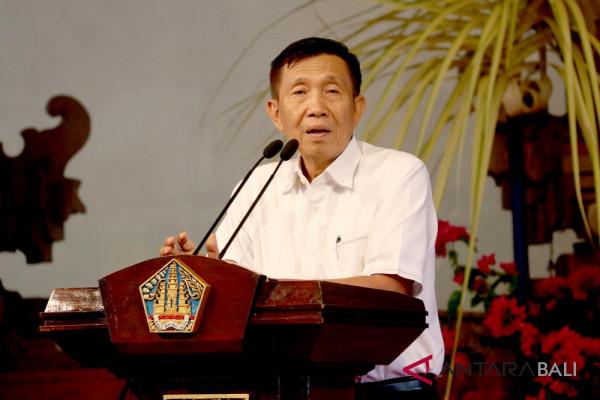 "Gubernur Bali luncurkan buku ""utang"""