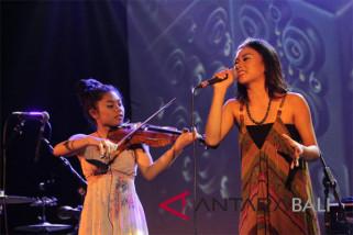 Musisi muda Nusa Penida Bali