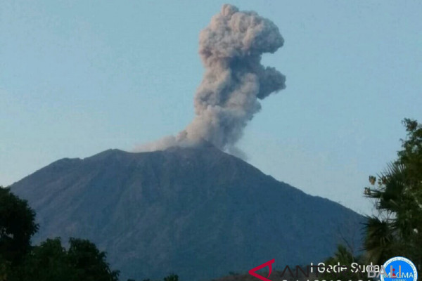 Condition of Mt Agung remains unstable