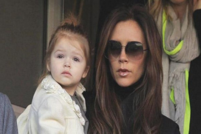 "Liburan di Bali, anak Victoria Beckham keranjingan nonton ""Spice World"""