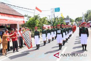 Bupati Suwirta lepas Gerak Jalan Indah Tingkat SMASMK Putri