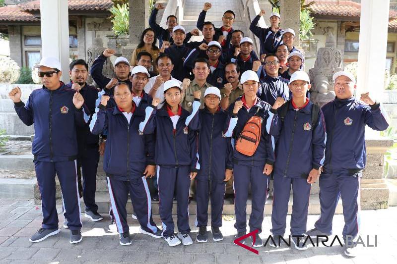 Bupati Klungkung lepas kontingen Paralympic ke Peparprov Bali