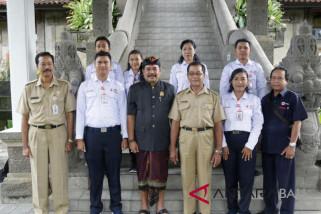 Wabup Klungkung lepas enam relawan PMI ikuti TKRN