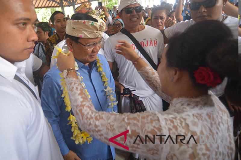 "Prabowo hadiri silaturahmi ""Relawan Emak-Emak Binangkit"""