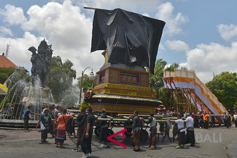 Persiapan Ngaben Puri Denpasar