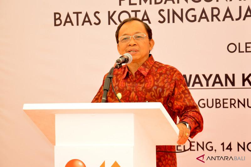Koster resmikan pembangunan jalan pintas ke Singaraja