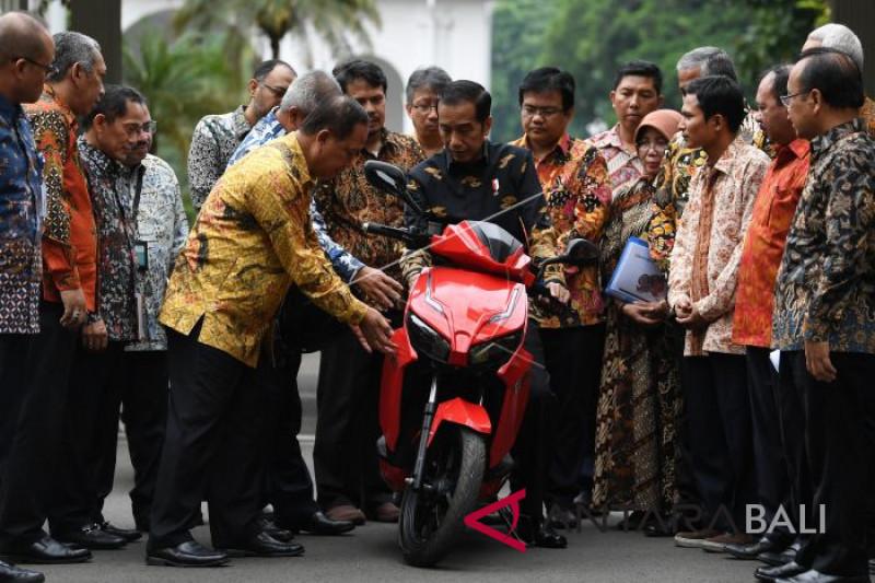 Presiden jajal motor listrik