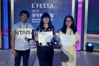Alat penerjemah bahasa isyarat ITB menang di Korea