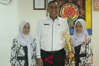 Mahasiswa kembar Undiksha raih juara bersamaan