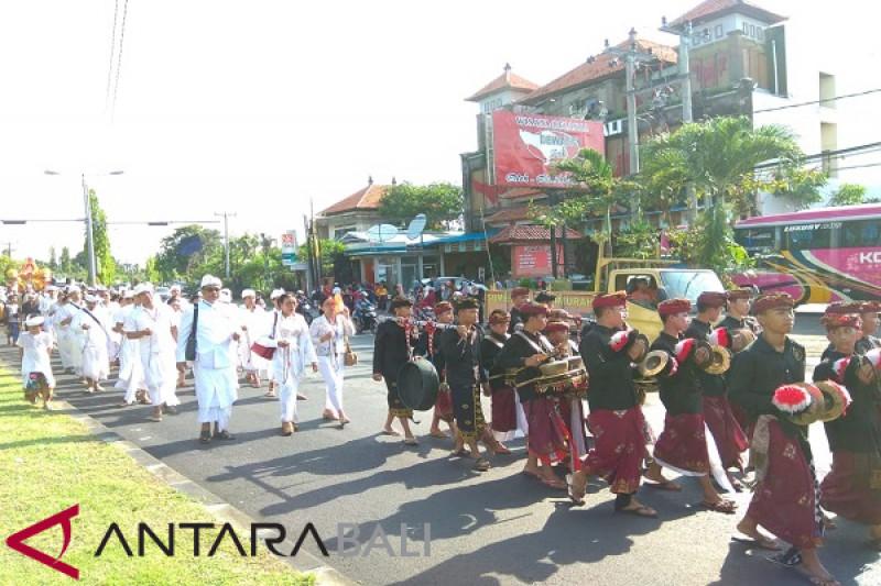 "Masyarakat ikuti ""Padayatra"" di Festival Pasraman Indonesia 2018"