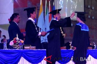 Undiksha bekali 447 lulusan dengan