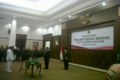 Plt Gubernur Lantik Hudaya Jadi Penjabat Bupati Serang