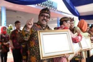 Gubernur Banten Raih Anugerah Aksara Utama
