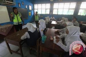 Gubernur Banten Ingatkan Pelajar Tertib Berlalu - Lintas