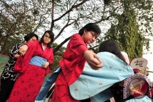 Lippo Gelar Festival Sakura di Cikarang
