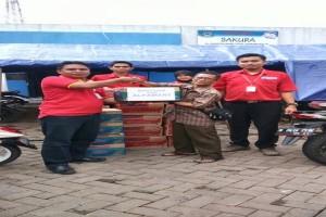 Alfamart Bantu Korban Banjir di Total Persada