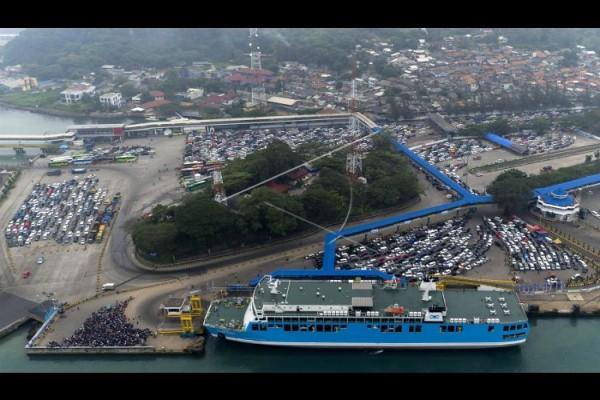Kapal Portlink Tabrak Dermaga III Pelabuhan Merak