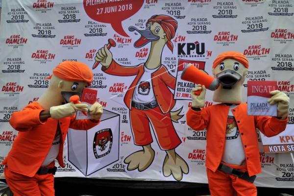 PAN Berikan SK Rekomendasi Pasangan Arief-Sachrudin
