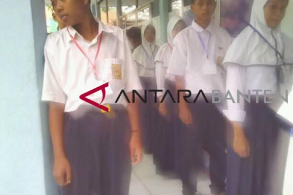 UNBK Hari Pertama SMP Lebak Sempat Tertunda