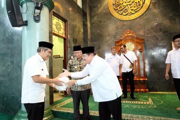 Baznas Kota Tangerang Berikan Beasiswa Sampai Sarjana